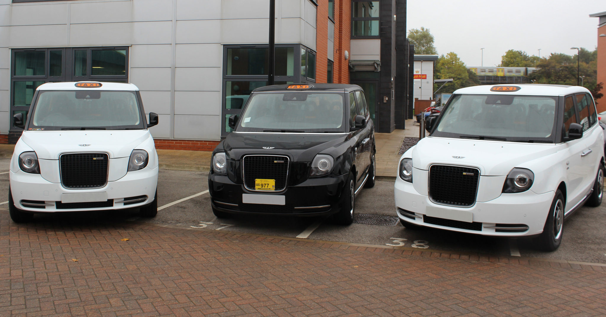 Liverpool's first electric black cabs hit the road | Patons